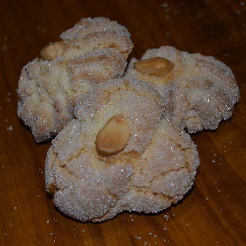 Biscotti alle mandorle con mandorle