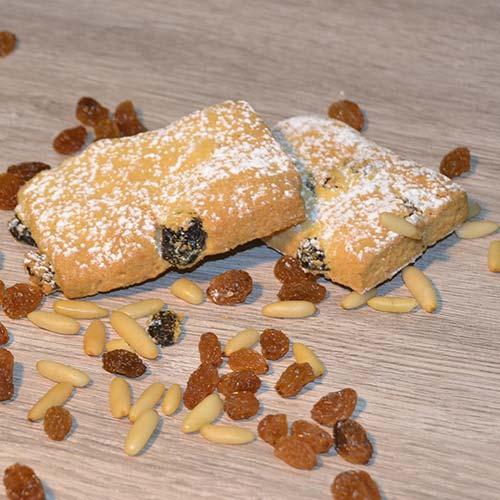 Biscotti della nonna, uvetta e pinoli