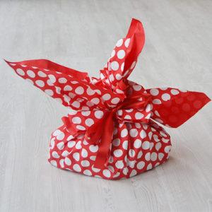 confezione regalo pois rossi