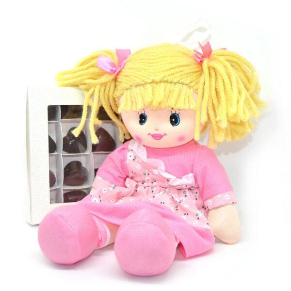 Bambola Hello Dolly e cioccolatini di San valentino