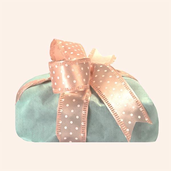 Confezione regalo per le colombe artigianali senza glutine - confezione celeste con nastro rosa