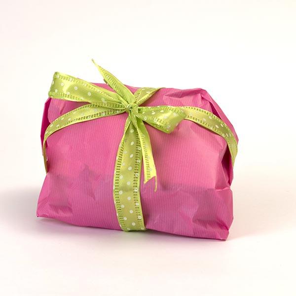 Confezione regalo per le colombe artigianali senza glutine - confezione fucsia con nastro verde